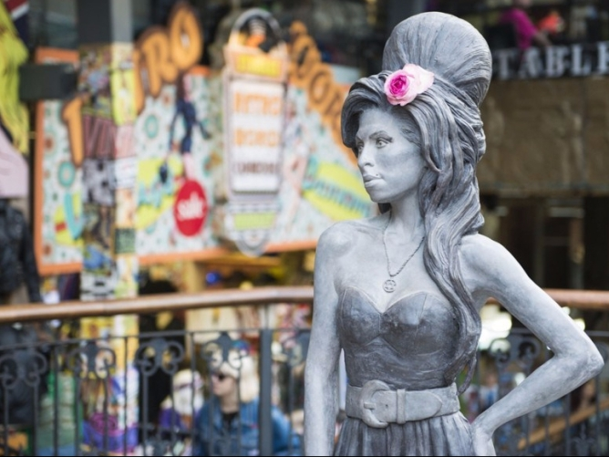 Amy Winehouse statue in Camden Town