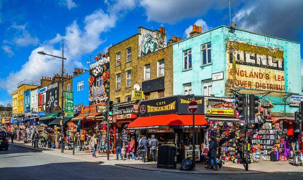 Camden_Town_Streetcorner_London,_UK