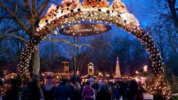 Angels Christmas Market al winter wonderland di Hyde Park
