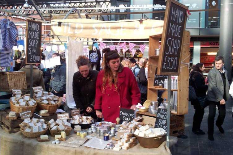 old spitalfields market_london_chiosco dei saponi