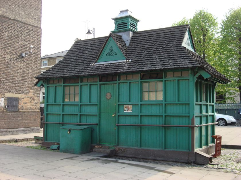 1280px-A_London_Cabman's_Shelter_in_Warwick_Avenue_W9.jpg