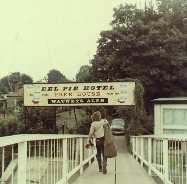 Eel-Pie-Hotel-Sign-
