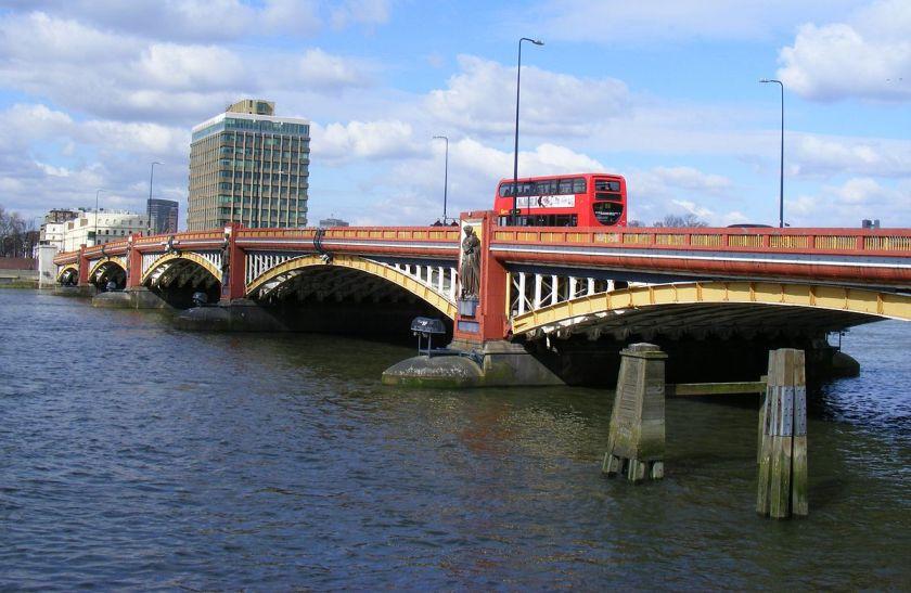 1200px-Vauxhall_Bridge_London_-_geograph.org.uk_-_1752640.jpg